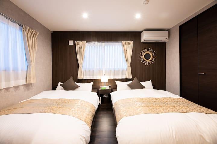 Bed room (2nd floor)