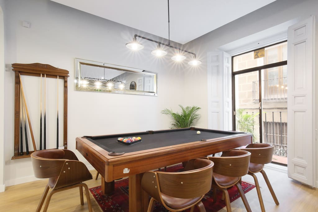 Billiards can can become to dining table