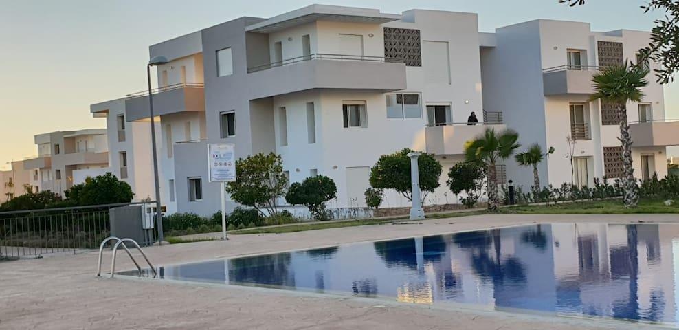 Apt vue piscine près de la mer agadir lunjavillage