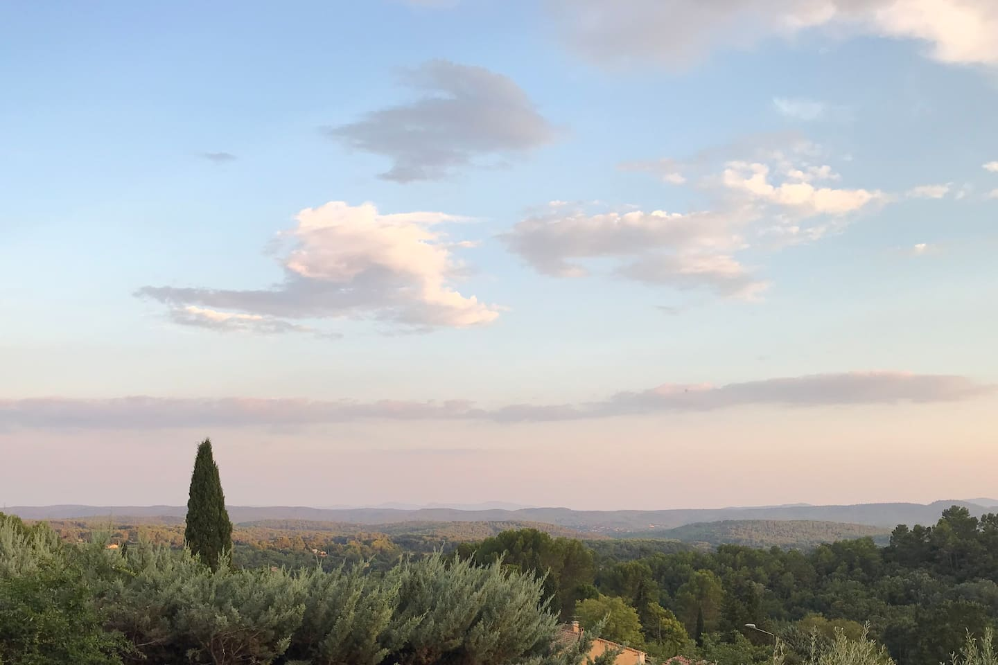 Harry's Place - Private House with views, pool & A/C - Cotignac - 5 Mins walk to village
