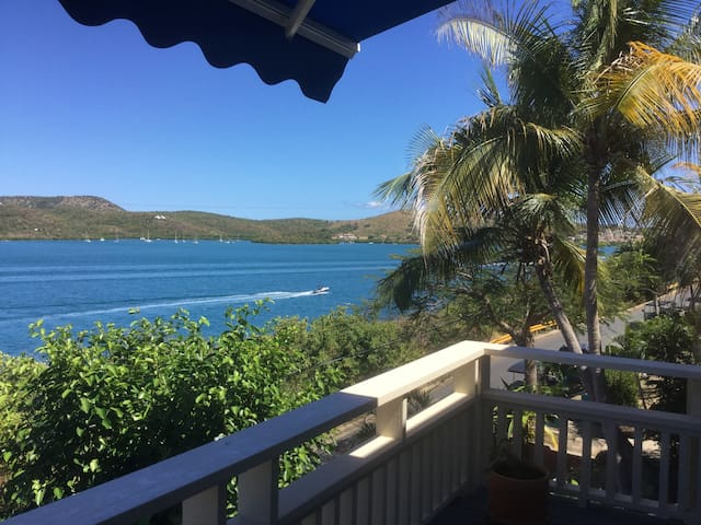 Emma's by the Sea - Culebra