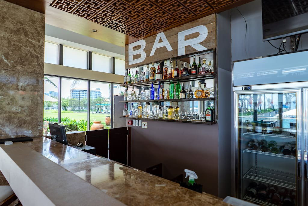 Bar at Ocean Villas resort