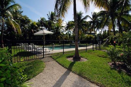 The Palms of Sanibel Rose Cottage - Sanibel - Overig