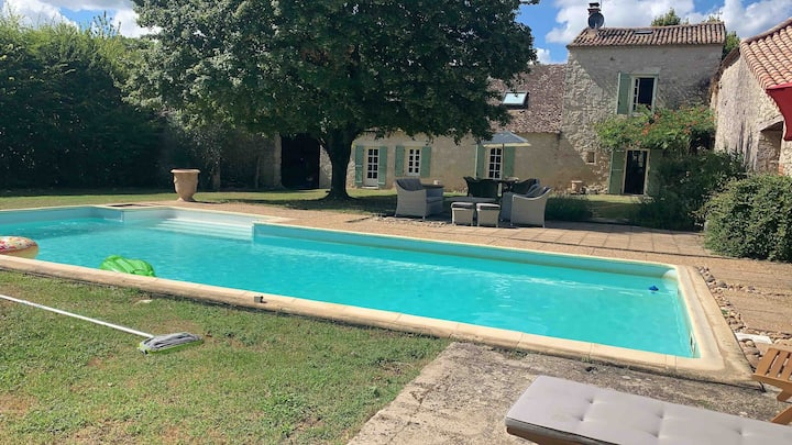 Charming farmhouse 10 mins from Bergerac airport
