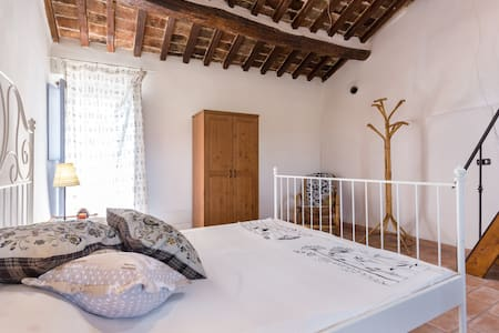 'Le Mura' historical garden house. - Civitella San Paolo - Huis
