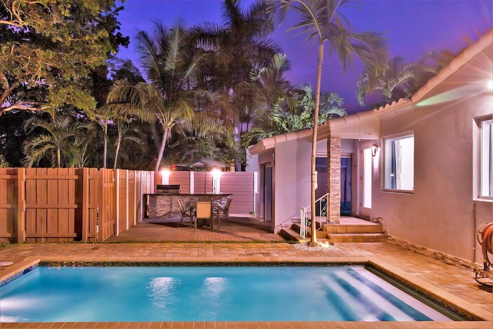 House with heated Pool 2bed/1 bath - Victoria Park, FLL