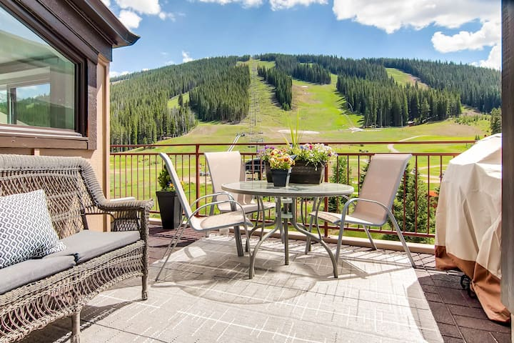 ★True Ski/Golf-in,Ski-Out★Luxury Modern with Views