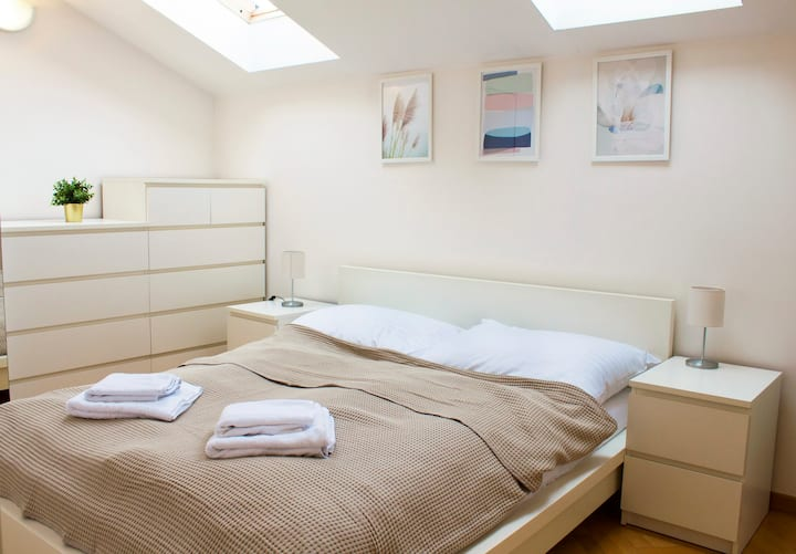 Apartment Prague -Sunny flat with air conditioning