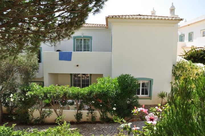 Beautiful 2-story townhouse with balcony and pool