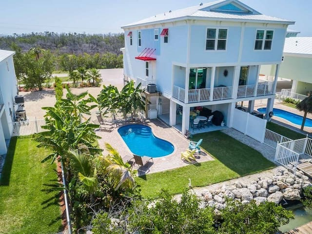 Sombrero Heaven - Private Pool and Dock, Canal Front, Beach!