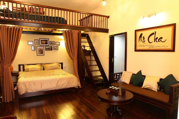 75HB Central Swanky Apt./ steps to Hoan Kiem Lake