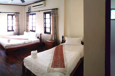No.98客栈,环境舒适,交通便利,特色按摩 - Luang Prabang