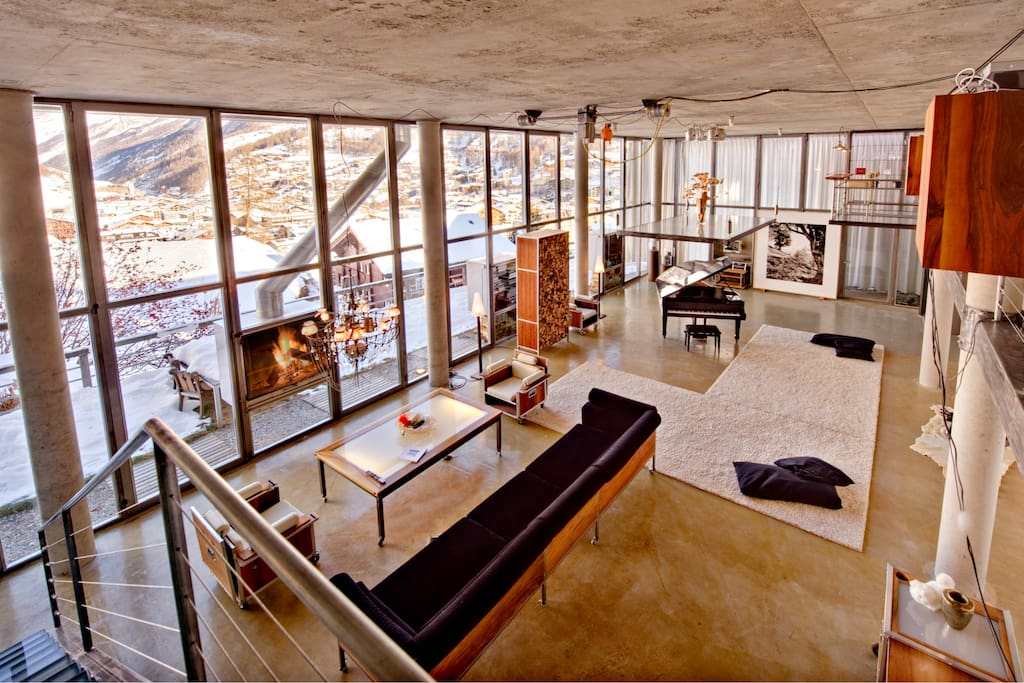 The sense of space, light and closeness to nature that the Loft provides is unparalleled.
