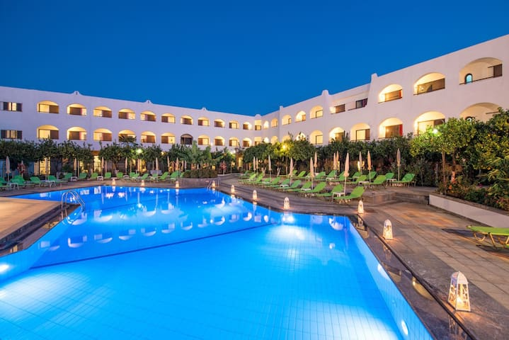 MALIA   HOLIDAYS  HOTEL - Malia - Bed & Breakfast