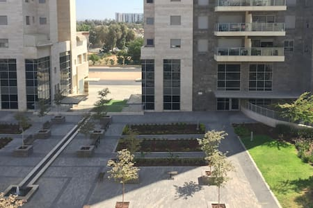 Room in a lovely apartment at the city center - Be'er Sheva - Apartmen