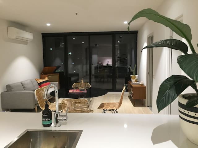 PENTHOUSE \\ PRIVATE MASTER+ENSUITE - Collingwood - อพาร์ทเมนท์