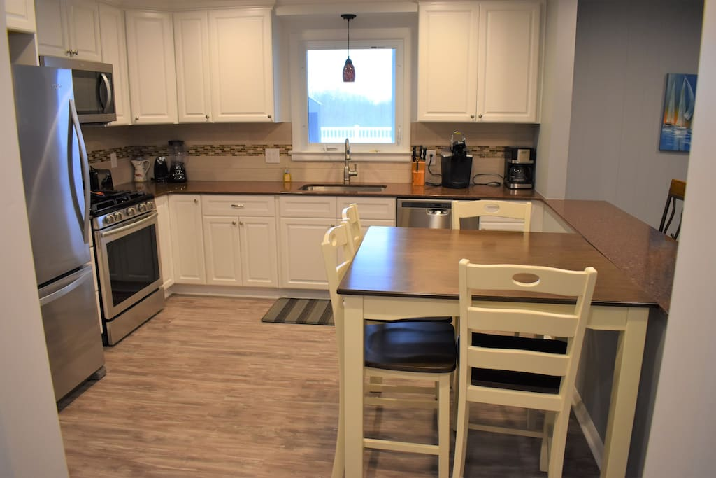 New Eat In Kitchen-Granite Counters