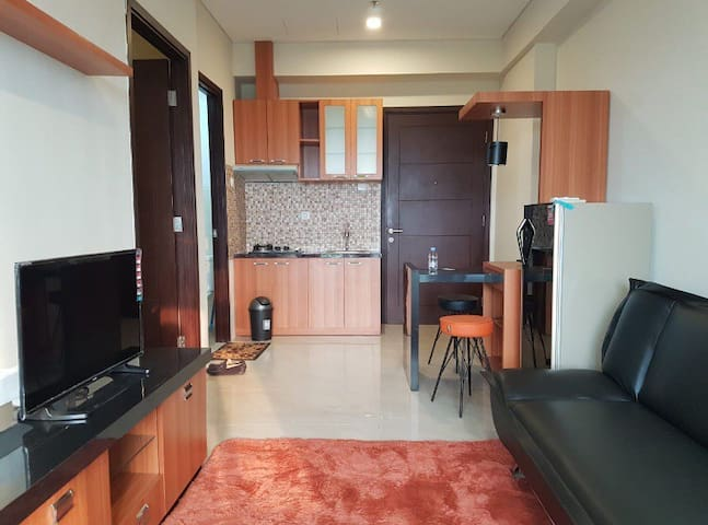 Homey Aspen Residence Apartment, near MRT