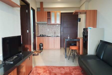 Homey Aspen Residence Apartment, near MRT