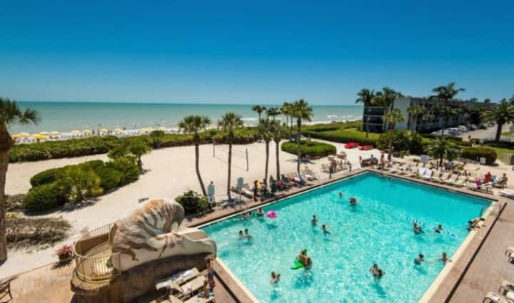 1BR PartialGulf View for 4! PRIVATE BEACH, 5 POOLS