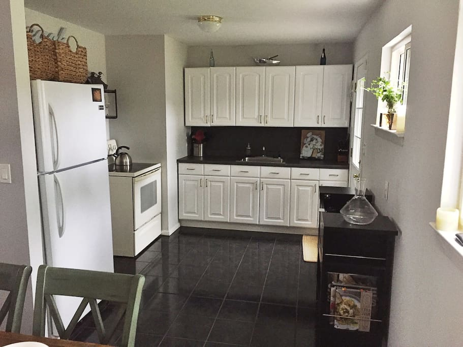 Kitchen and 6 person Dining Table