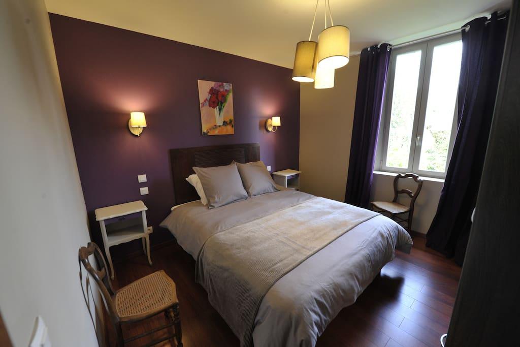 Chambre Violette lit double