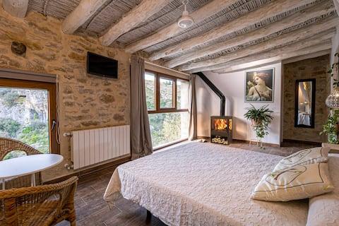 Casa con jacuzzi y chimenea en Vall de Gallinera