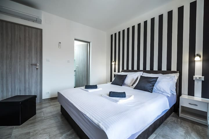 Apartments Sunshine Home-Double Room with Balcony