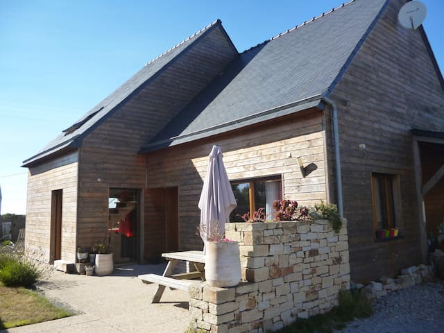 Agréable Maison Bois en Mer d'Iroise avec Jardin - Plouarzel - Casa
