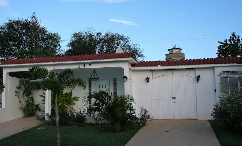 El Faro Surf House