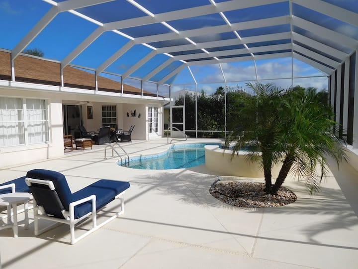 Great villa with private pool, spa at golf course