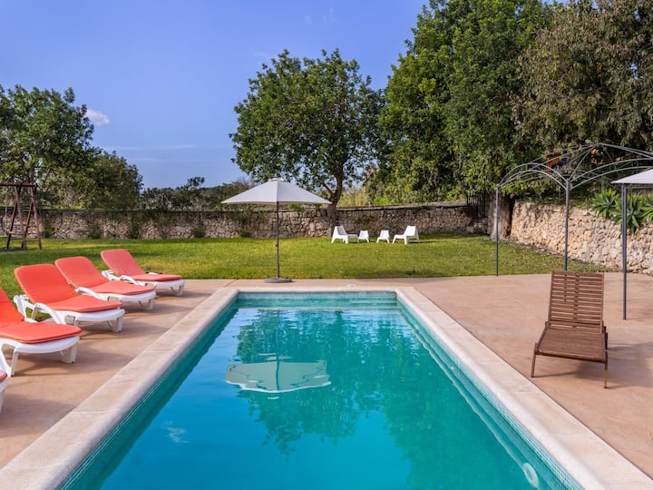 Traditional Mallorcan family villa pool wifi 10 persons