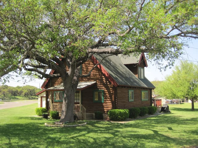 Waterfront Cabin on Lake LBJ! - Horseshoe Bay - Dům