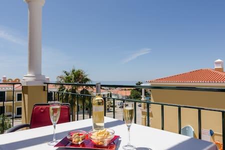 Belas Vistas 2, light & spacious, pool & sea views