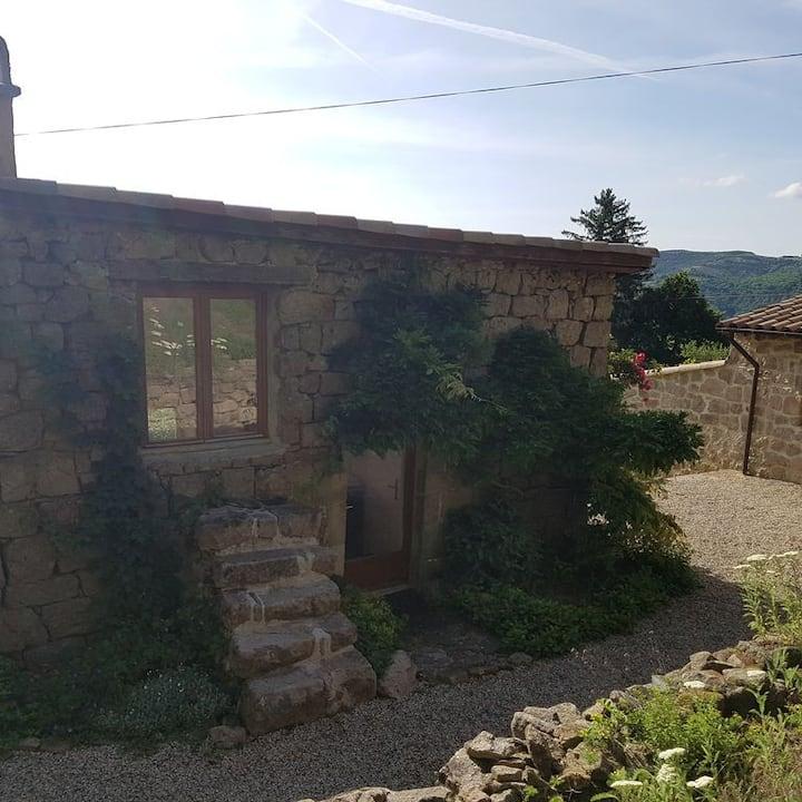 Studio en pleine nature parc des monts d'Ardèche