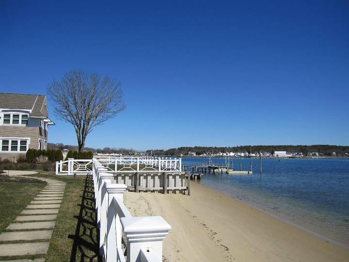 Hamptons - What a setting!