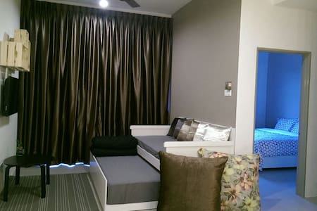 Walk to Pasar Malam! Tastefully designed unit... - Brinchang - Apartment