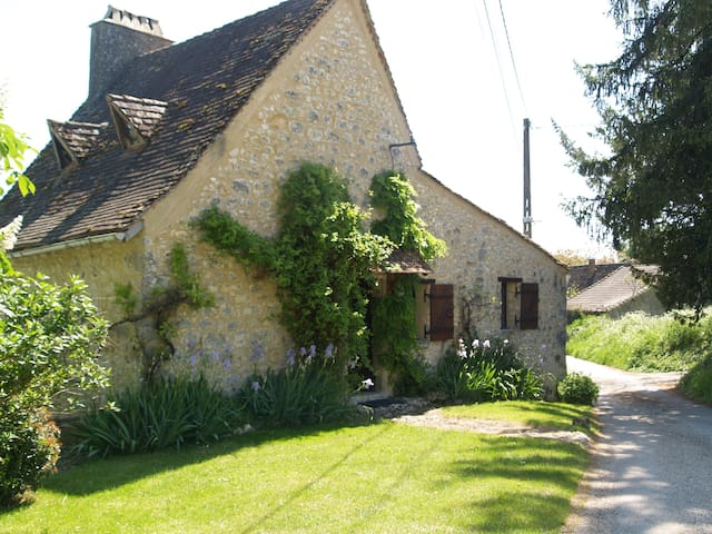 Dordogne Farmhouse & private pool