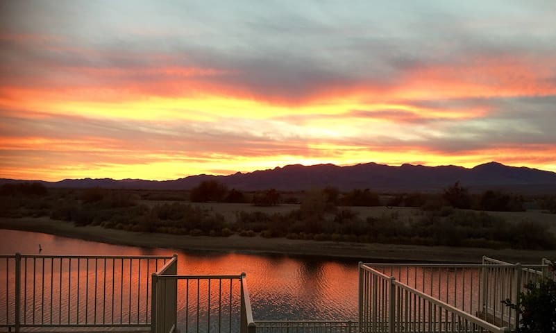 Southwest at it's Best On the River - Bullhead City - Casa
