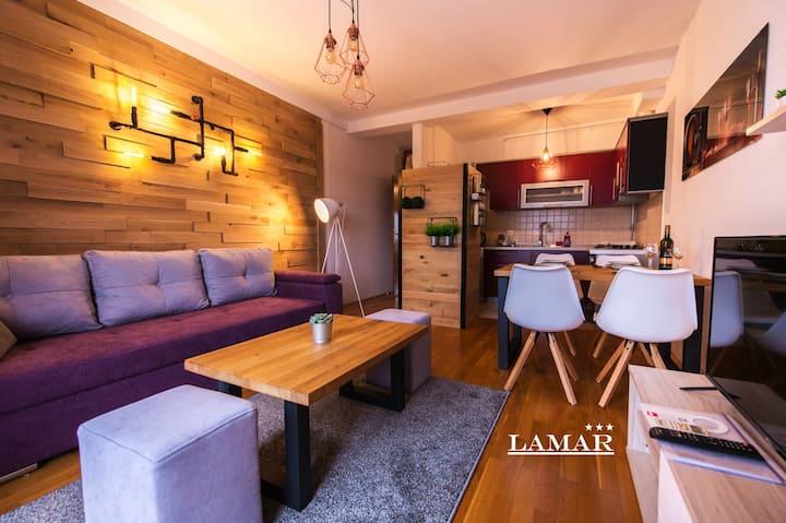 Apartment Lamar