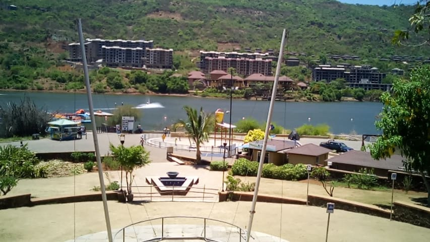 Lavasa - Lake View 2 BHK Fully Furnished Apartment - Lavasa - Apartamento
