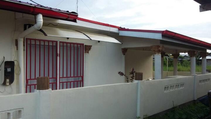 Huize Richenel ( Paramaribo - Centrum)