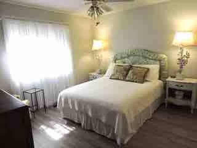 Bedroom # 2 Queen Size Bed