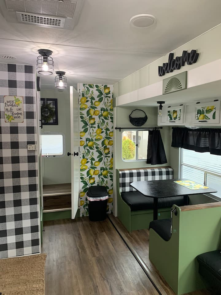 Lily's Lemon Drop. Renovated camper in Gatlinburg!