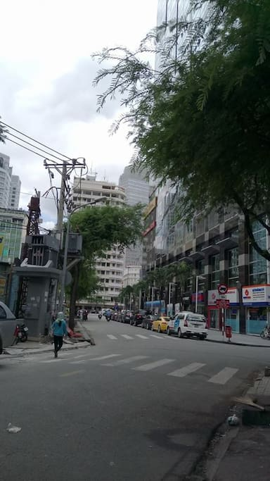 you turn right go to Nguyen Hue walking street, Theatre...