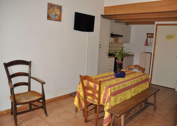 Gîte meublé en Ardèche Sud proximité des Gorges