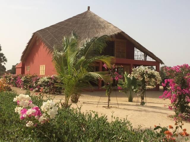 KEUR MAEWENA : superbe Eco-Villa d'architecte