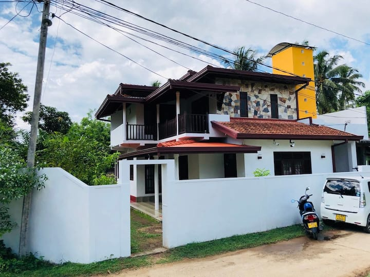 Yellow comfortable house in quiet Weligama area