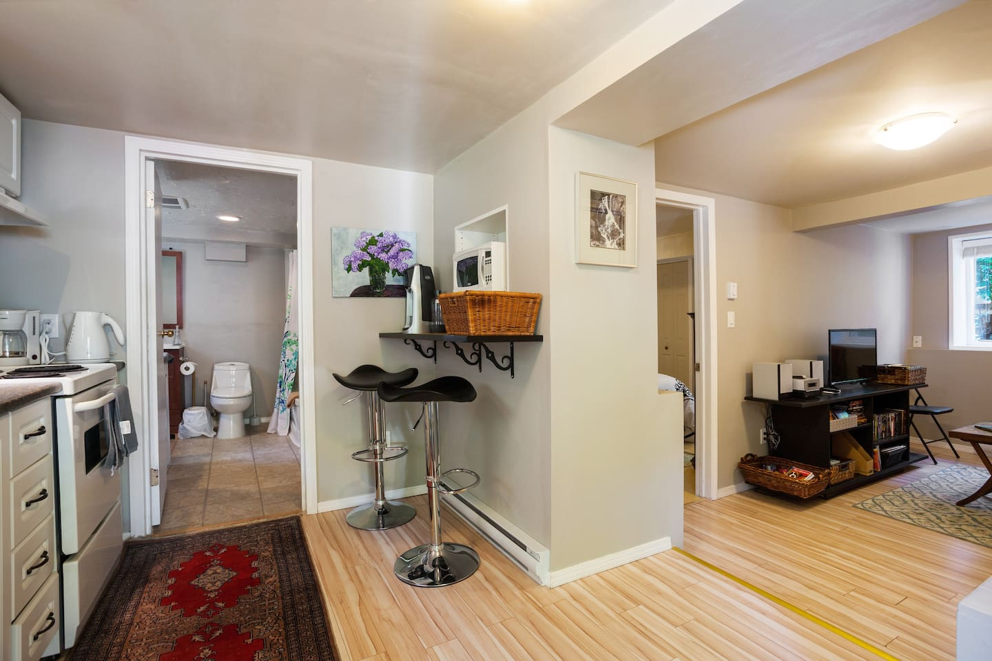 Fully-furnished and well-equipped one bedroom suite in the heart of fabulous Fernwood.