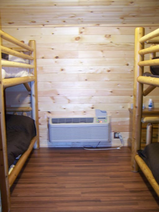 2 full size bunk beds